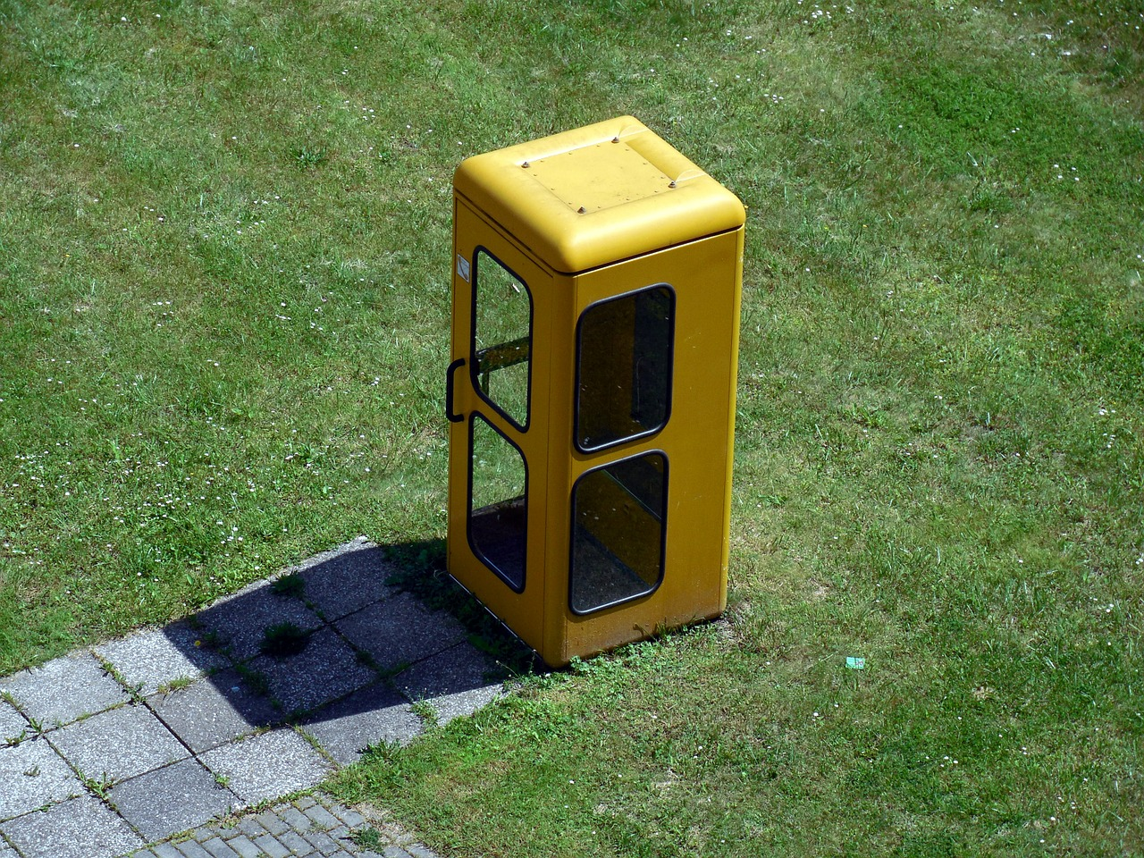 phone-booth-358349_1280